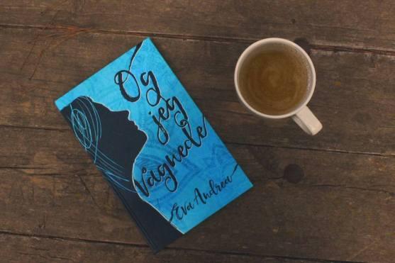 bogen og kaffe